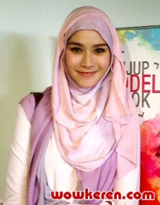 Inspirasi Hijab Zaskia Mecca